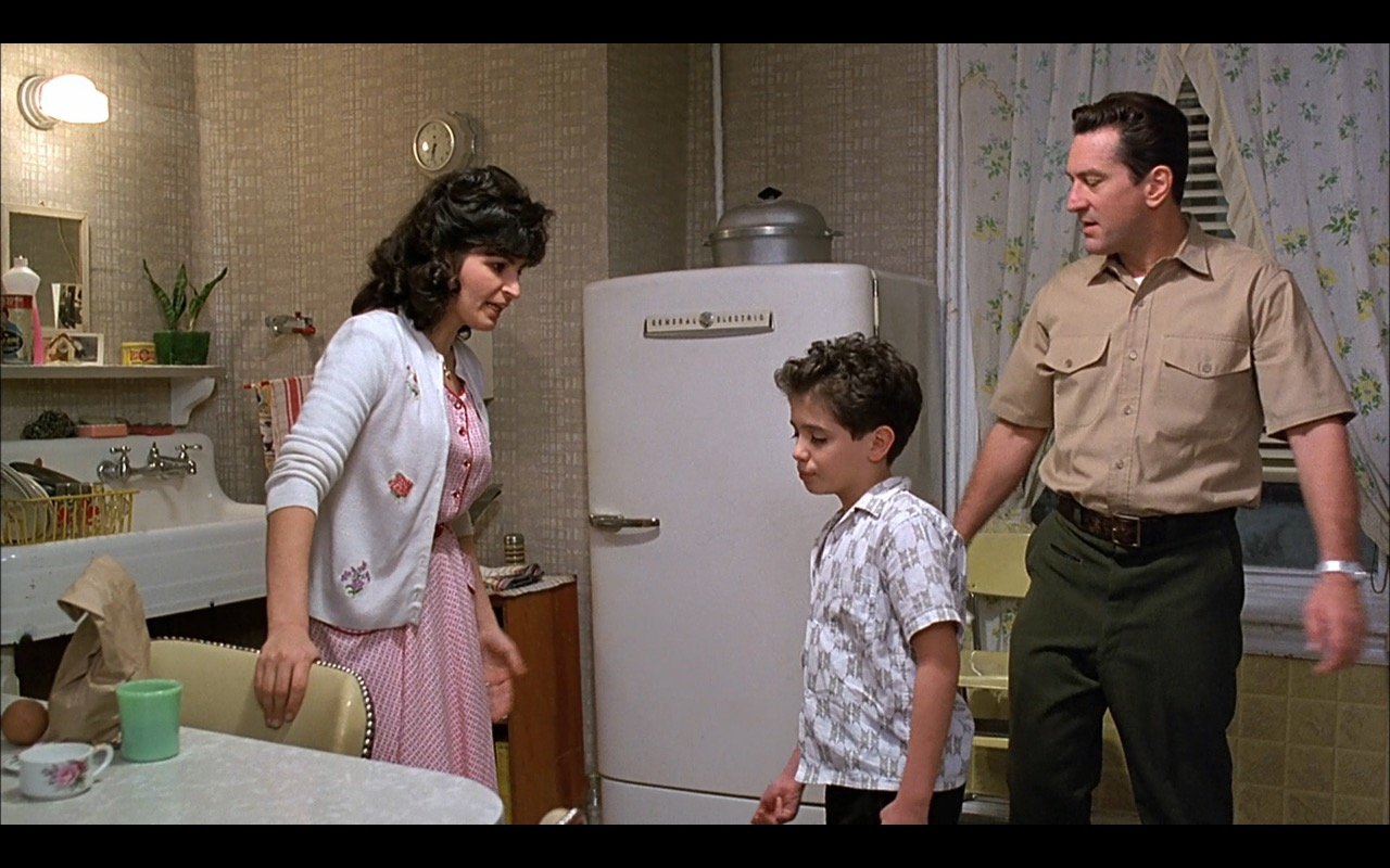 General Electric GE Refrigerator - A Bronx Tale (1993) Movie Product Placement