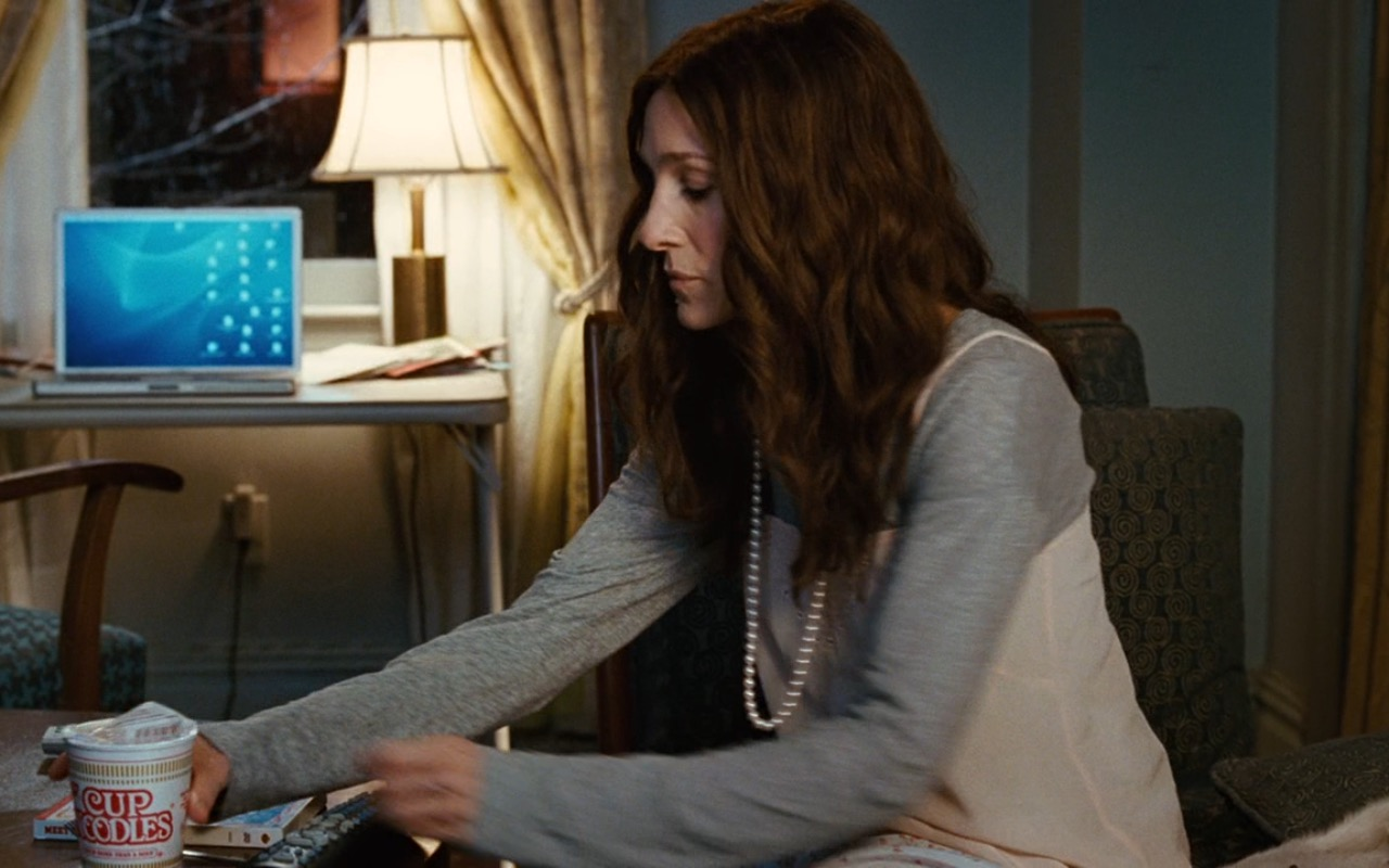 Nissin Cup Noodles and Apple Laptop – Sex and the City (2008) Movie Product Placement