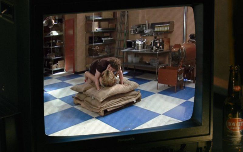 Iron City Beer And Panasonic TV – Zack and Miri Make a Porno (1)