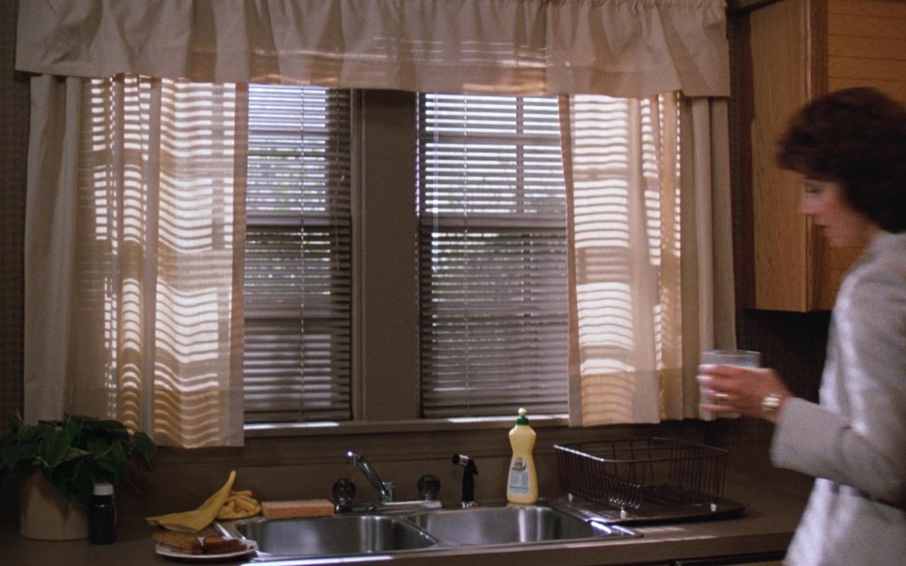 Joy (dishwashing liquid) – Risky Business (1983) Movie Product Placement