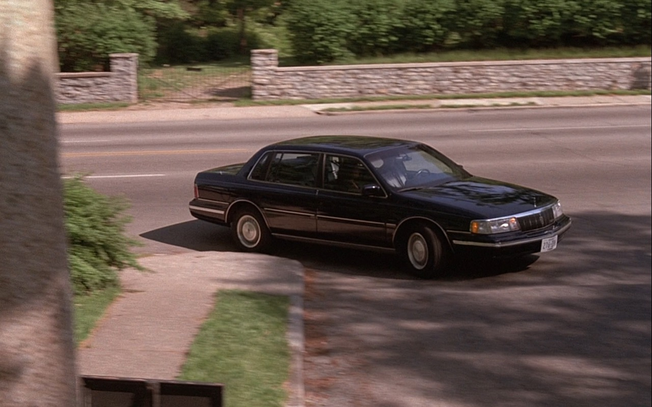 Lincoln Continental  – Rain Man (1988) Movie Product Placement