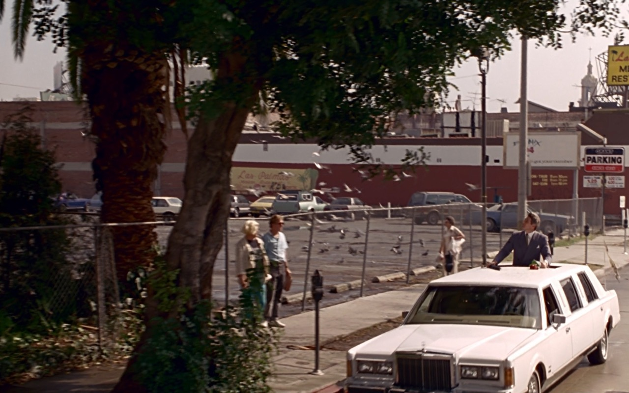 Lincoln Town Car Stretched Limousine White Pretty Woman 1990 Movie