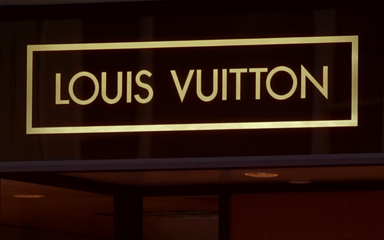 Louis Vuitton Store Sign - Pretty Woman (1990) Movie Product Placement