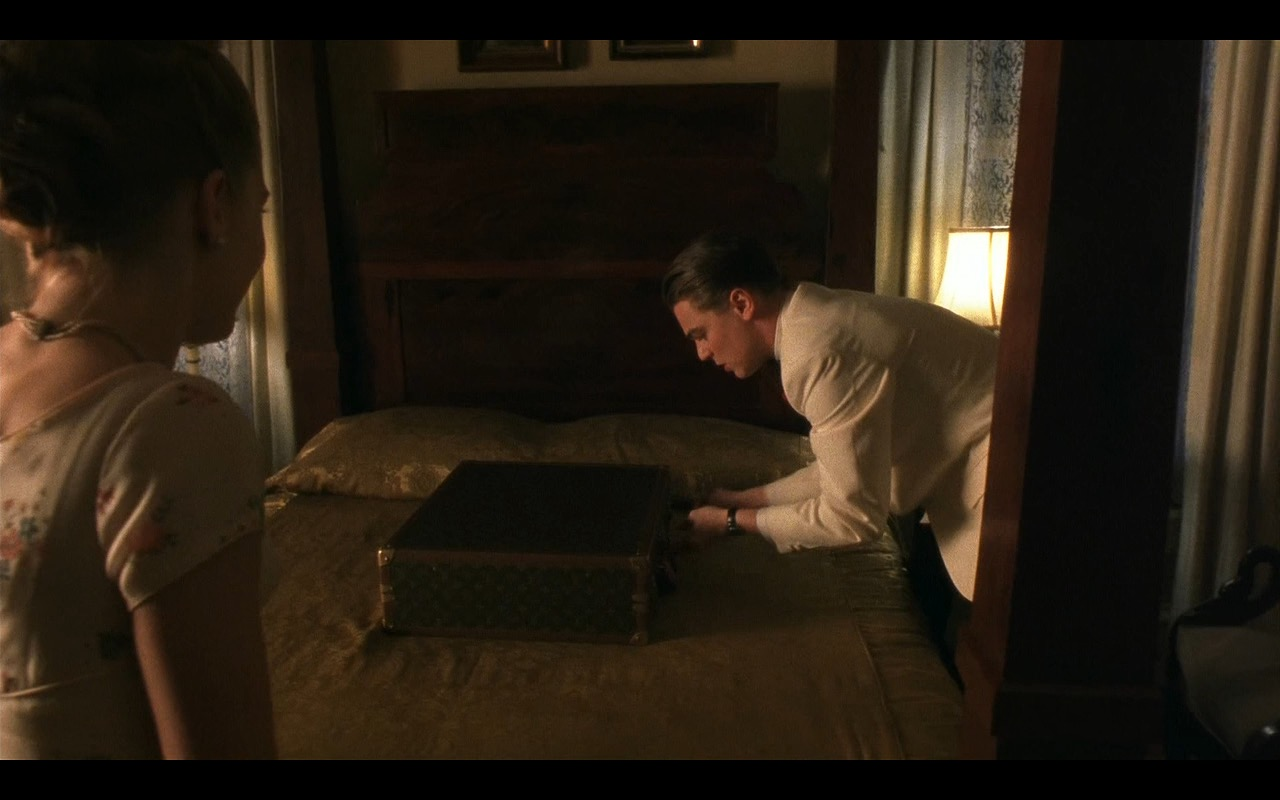 Louis Vuitton Suitcases - Catch Me If You Can (2002) Movie Product Placement