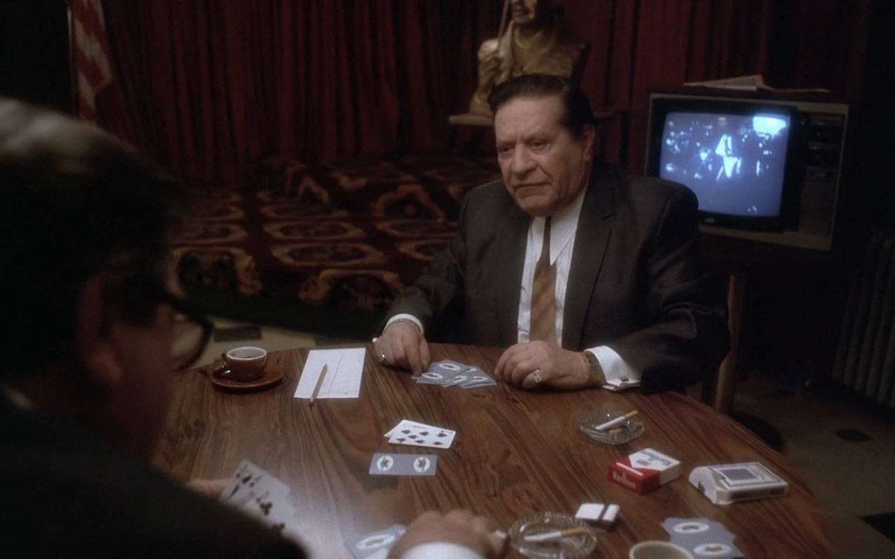 Marlboro Red Cigarettes - Casino (1995) Movie Product Placement