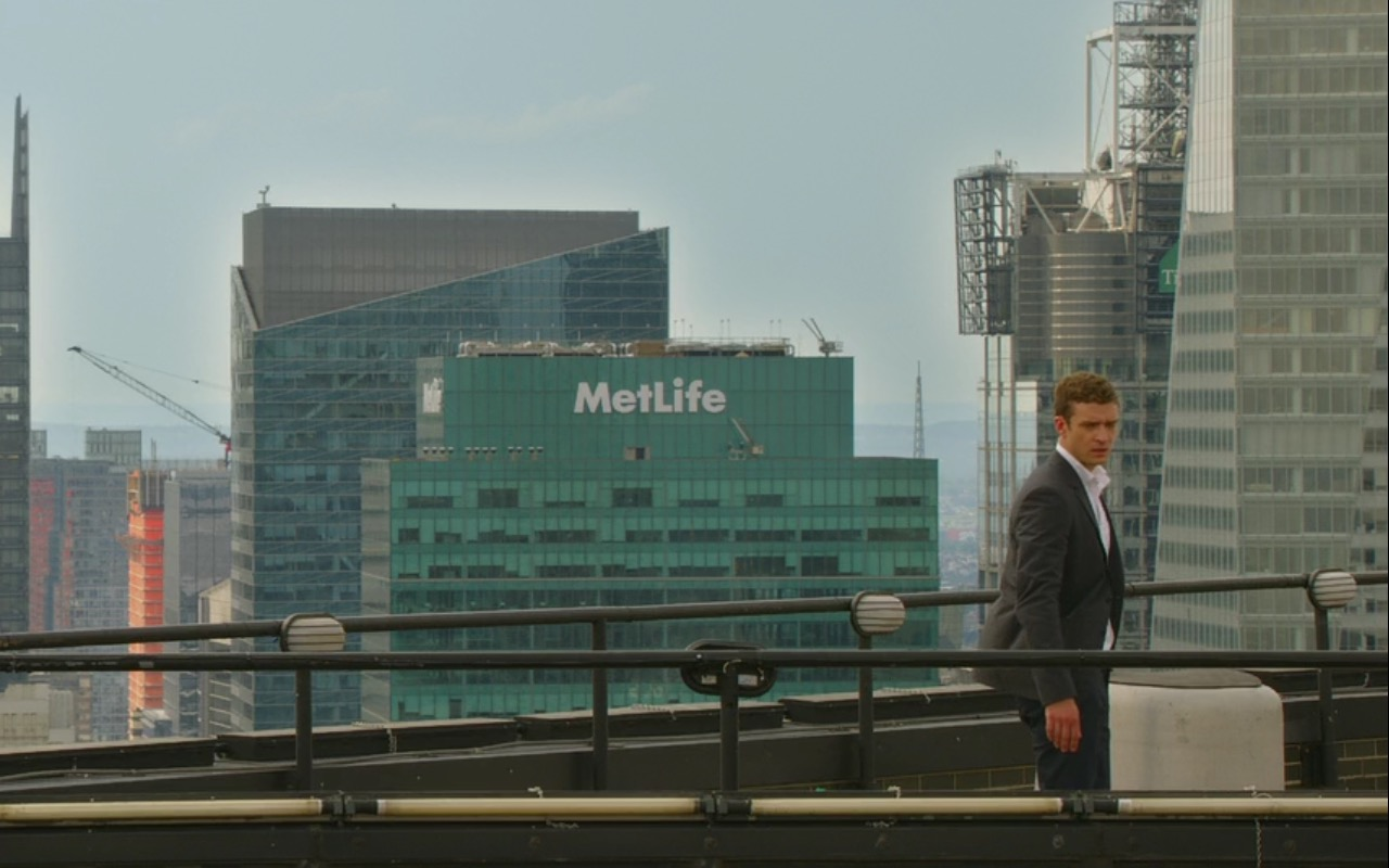 MetLife – Friends with Benefits (2011) - Movie Product Placement