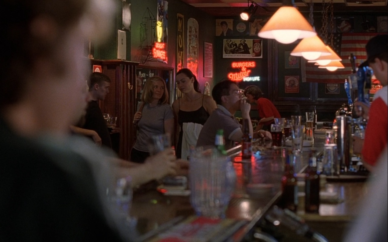 Miller Brewing Company (Beer Neon Signs) – Good Will Hunting (1997) Movie Product Placement