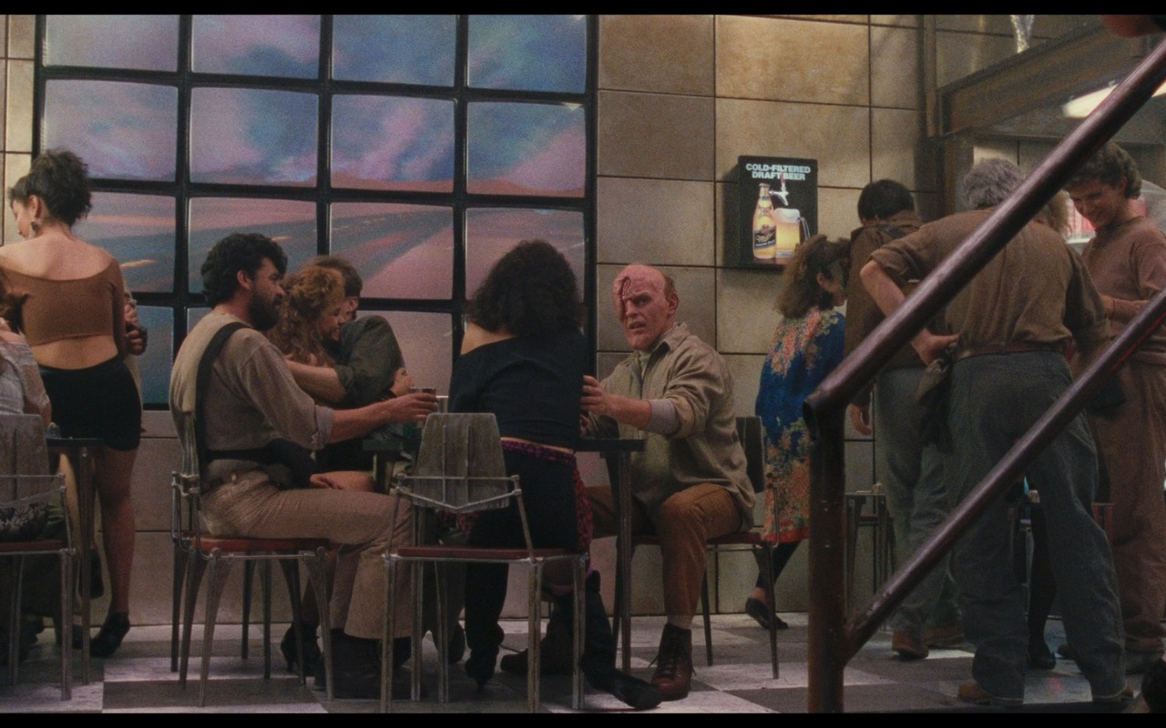 Miller Genuine Draft Beer – Total Recall (1990) Movie Product Placement
