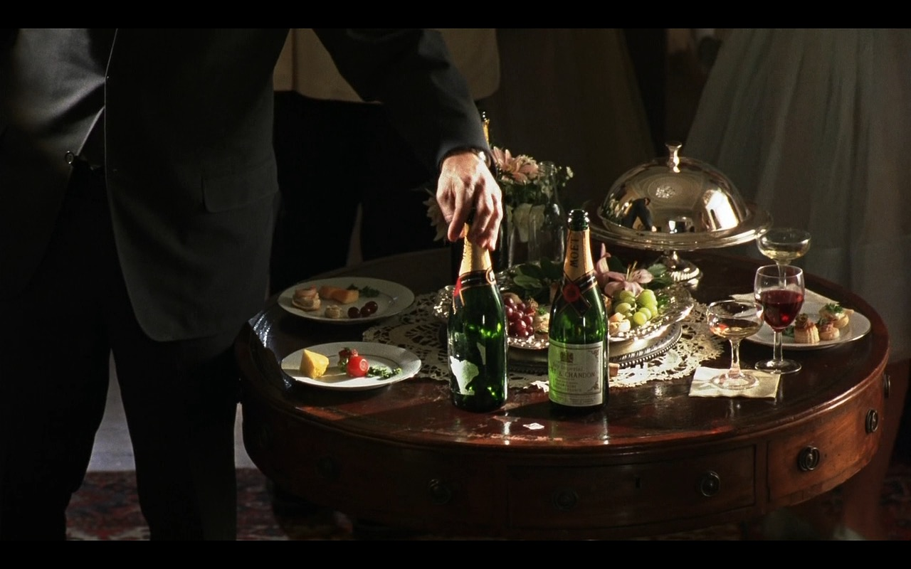Moët & Chandon Champagnes - Catch Me If You Can (2002) Movie Product Placement