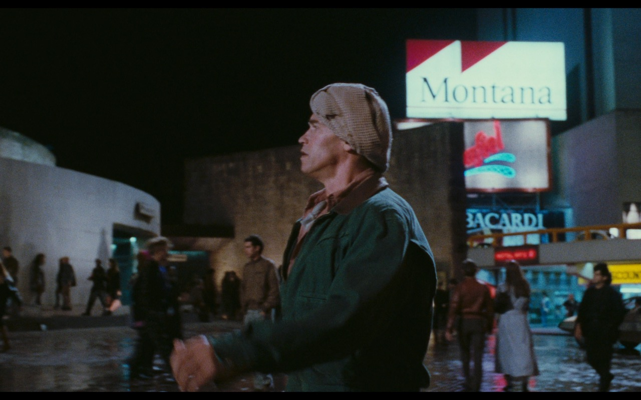 Montana, Bacardi, Peñafiel – Total Recall (1990) Movie Product Placement