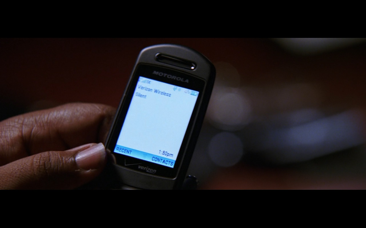 Motorola Phone & Verizon Wireless – The Departed (2006) Movie Product Placement