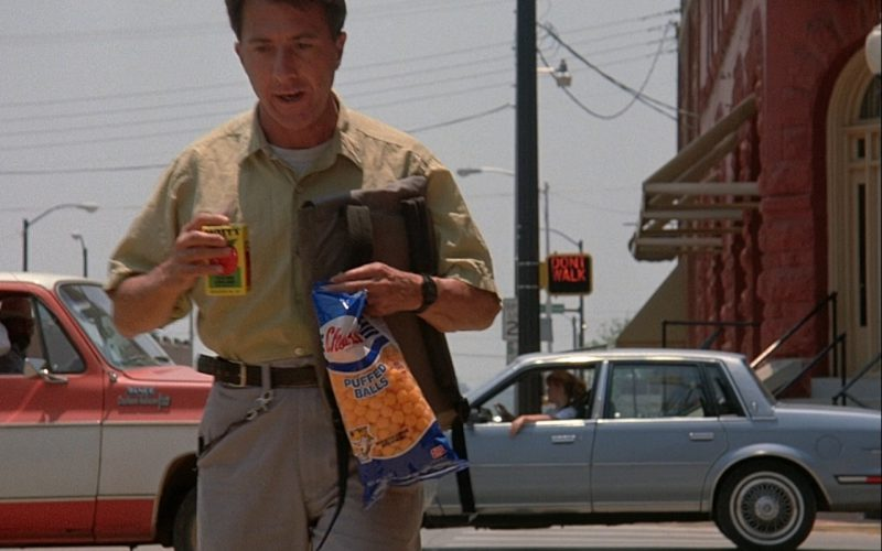 Mott's Apple Juice and Cheetos Puffed Balls – Rain Man (1988)