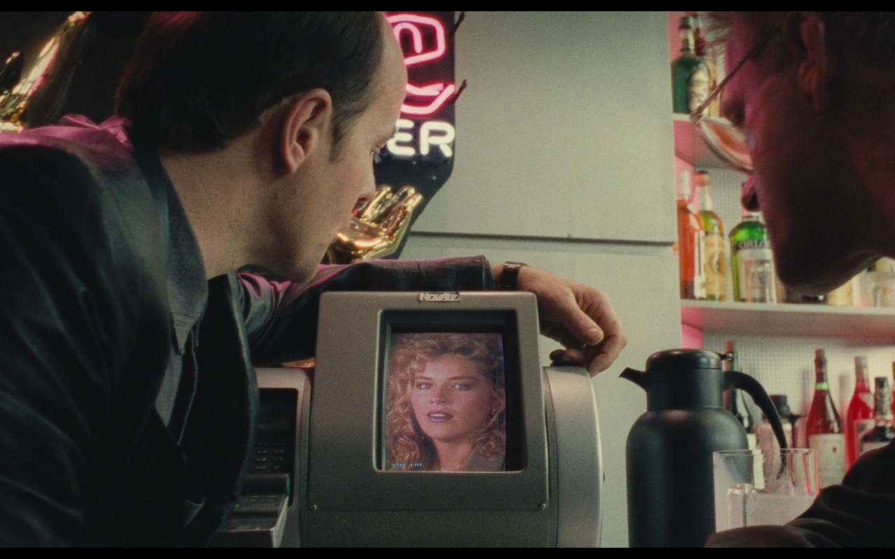 NovAtel Videotelephony – Total Recall (1990) Movie Product Placement