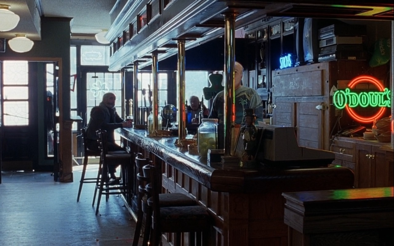 O'Doul's Beer Neon Sign – Good Will Hunting (1997) Movie Product Placement