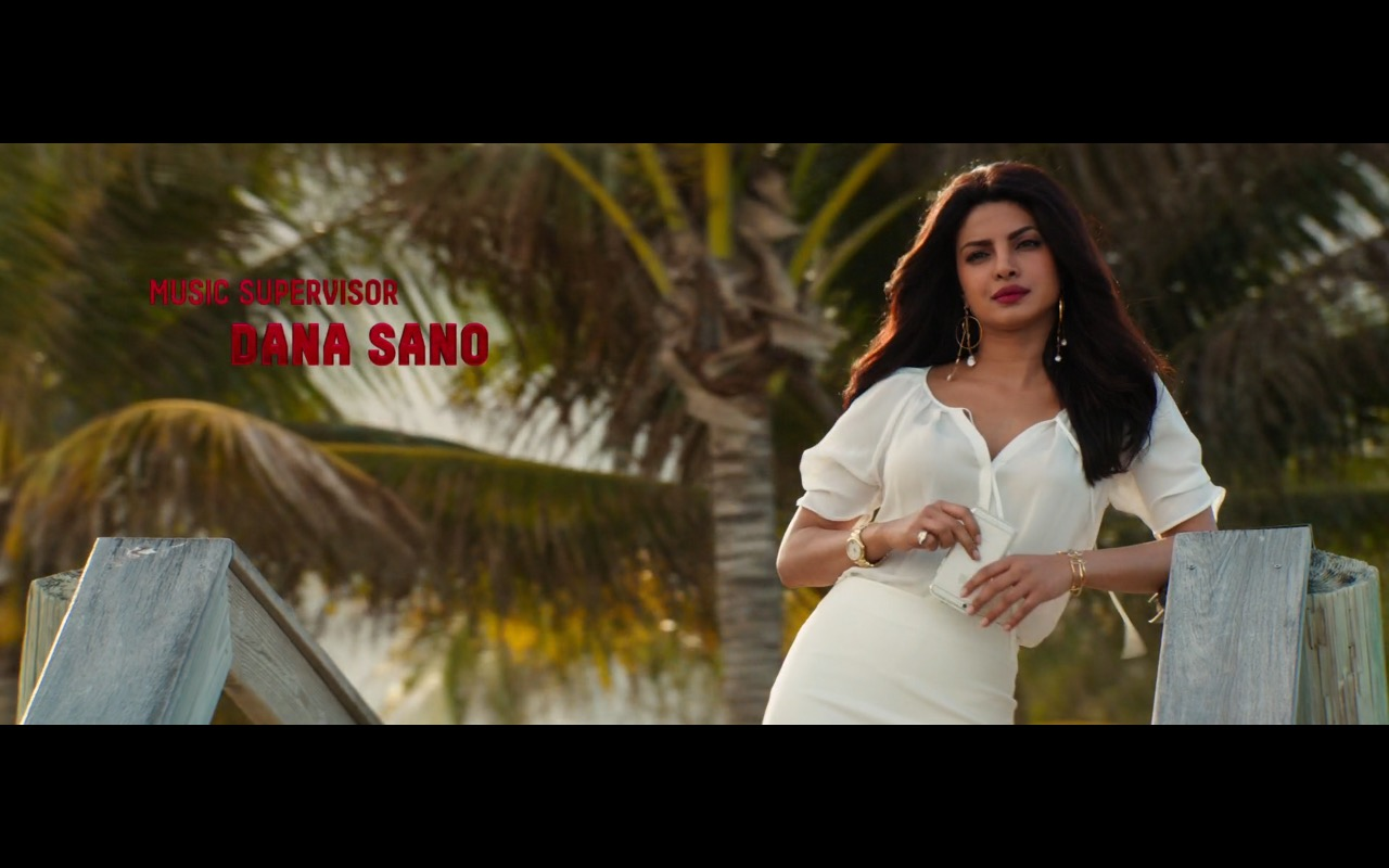 Priyanka Chopra and Apple iPhone - Baywatch (2017) Movie Product Placement