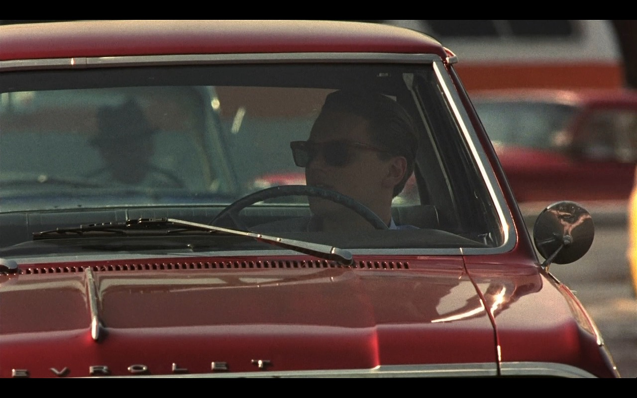 Ray-Ban Havana Wayfarers Sunglasses – Catch Me If You Can (2002) Movie Product Placement