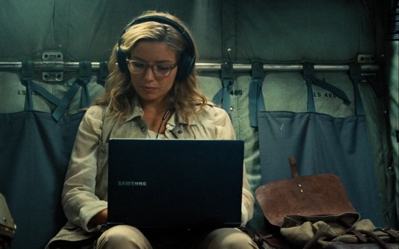 Samsung Laptop - The Mummy (2017) Movie Product Placement