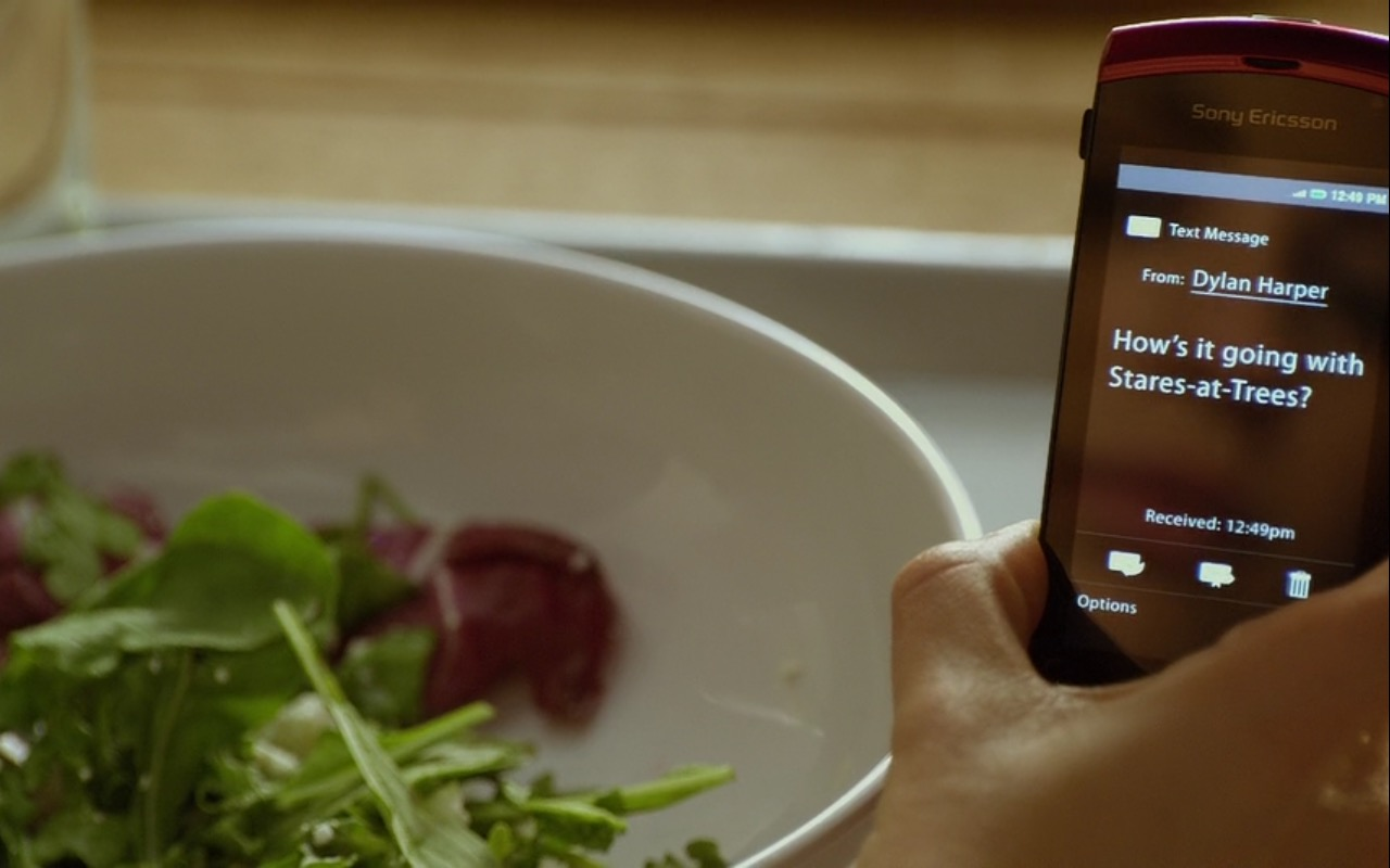 Sony Ericsson Xperia X10 – Friends with Benefits (2011) Movie Product Placement
