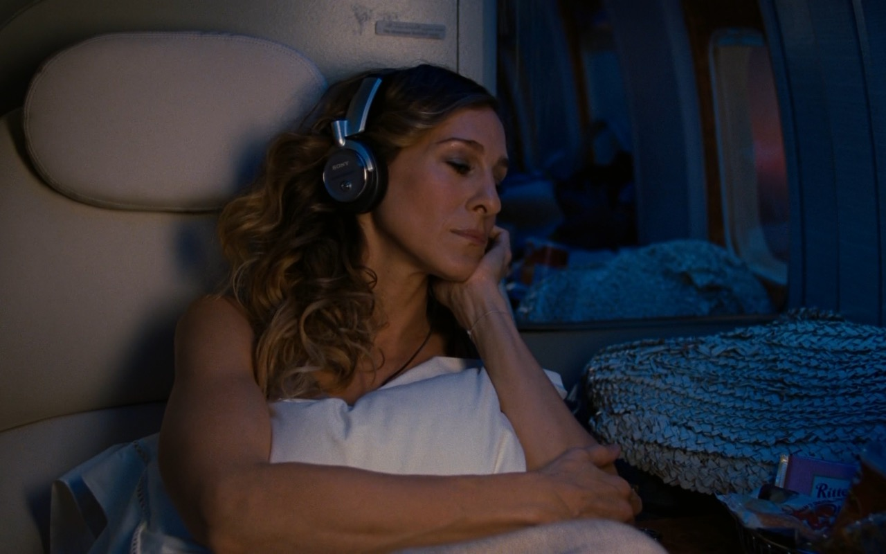 Sony Headphones - Sex and the City 2 (2010) Movie Product Placement