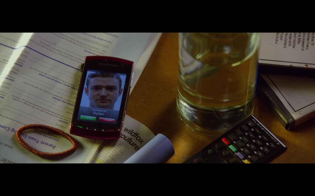 Sony Xperia, Wildfox Couture And Playstation 3 – Friends with Benefits (2011) - Movie Product Placement