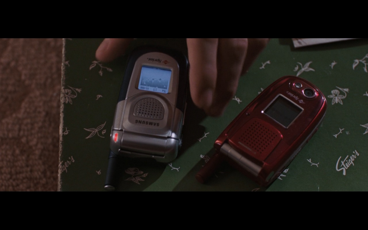 Sprint, Samsung And Motorola Phones – The Departed (2006) Movie Product Placement