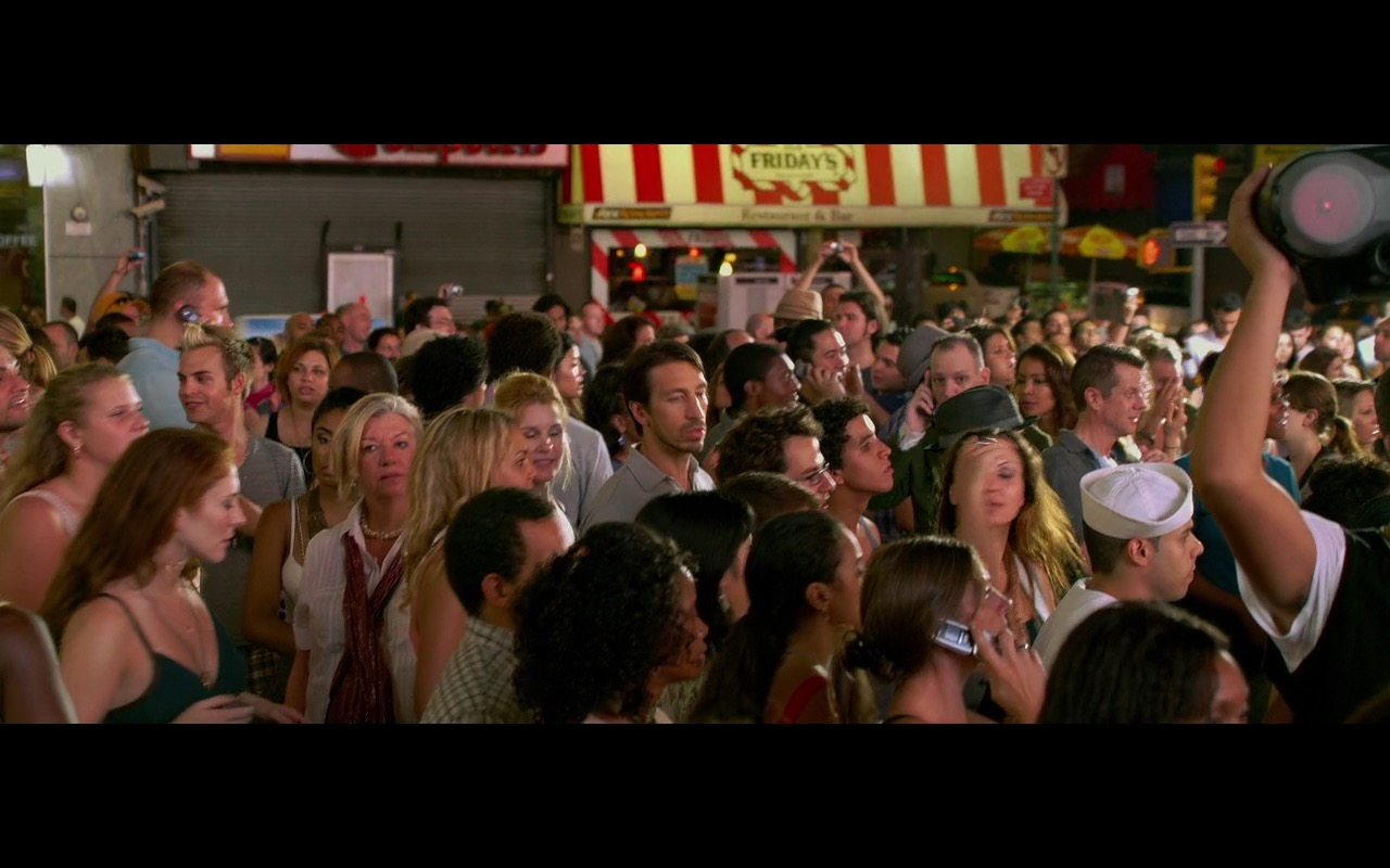 TGI Friday's Restaurant - Friends with Benefits (2011) Movie Product Placement