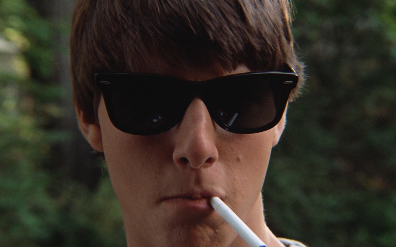 Ray-Ban Wayfarer Sunglasses worn by Tom Cruise in Risky Business (1983) - Movie Product Placement