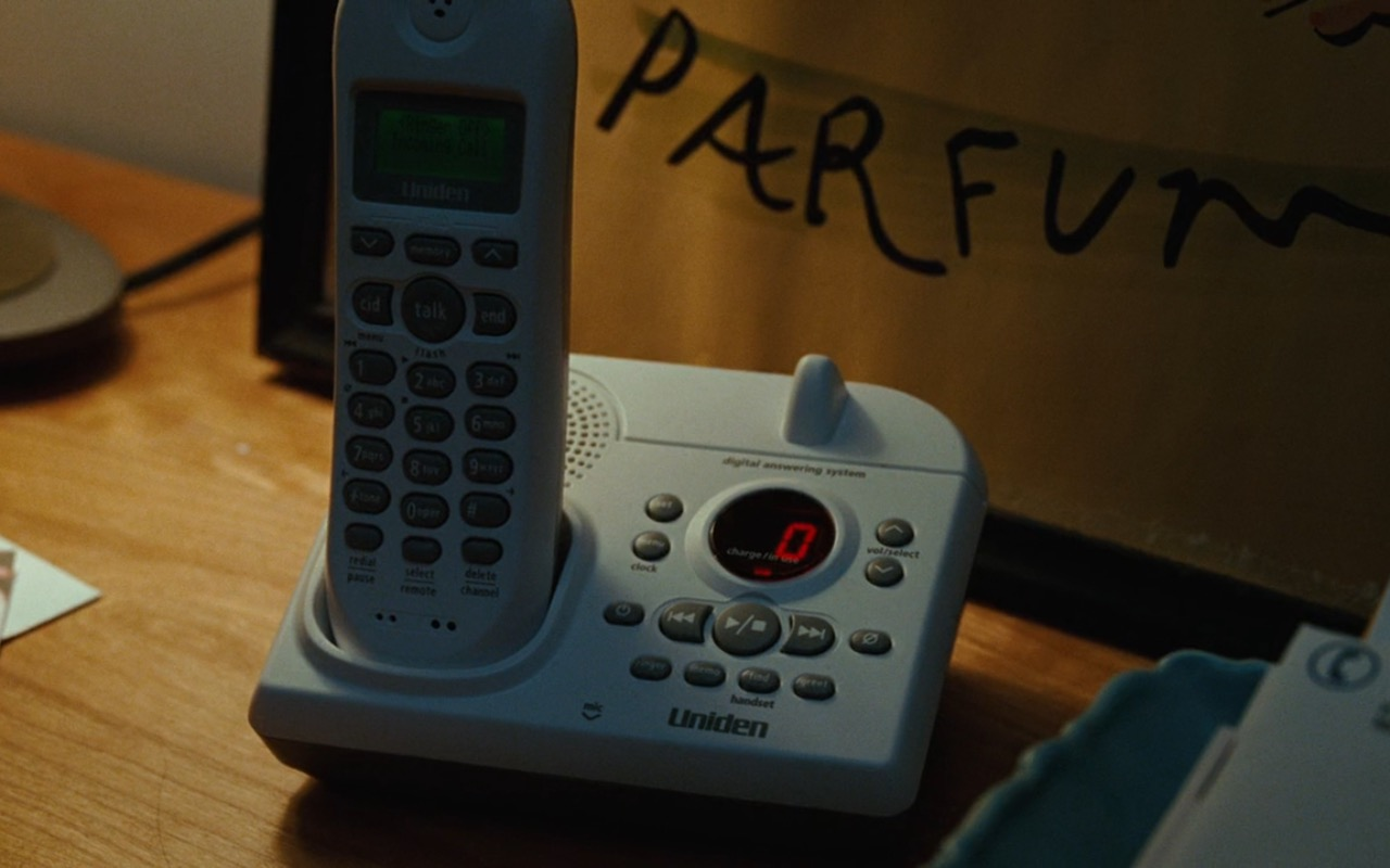 Uniden Telephone – Sex and the City (2008) Movie Product Placement