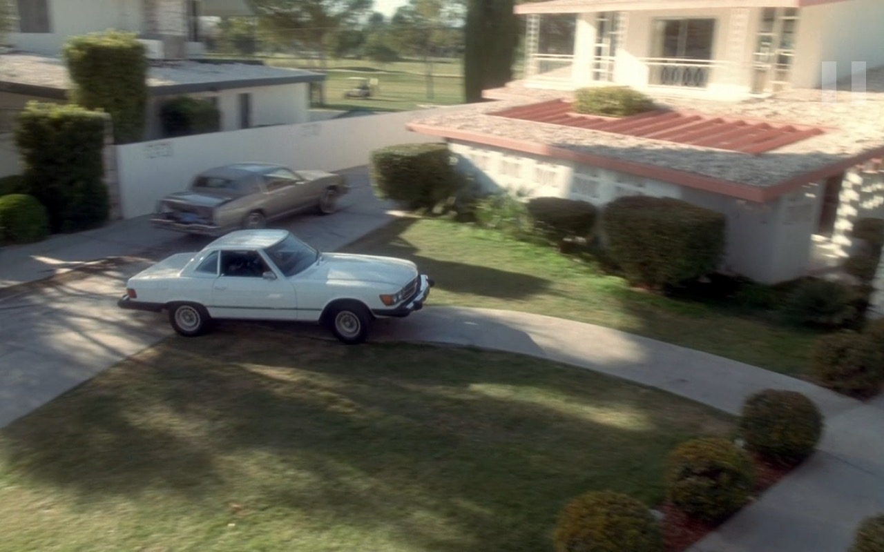 White Mercedes-Benz 450SL Car - Casino (1995) Movie Product Placement