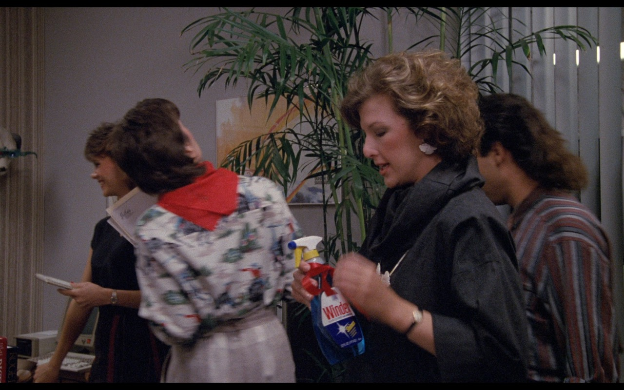 Windex Glass Cleaner – Nothing in Common (1986) Movie Product Placement