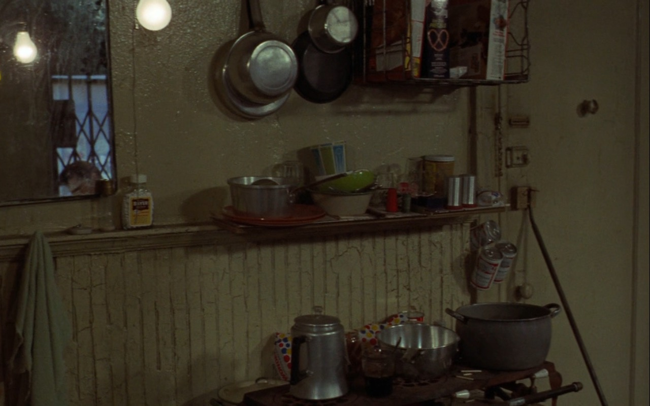 Wonder Bread and Budweiser Beer – Taxi Driver (1976) Movie Product Placement