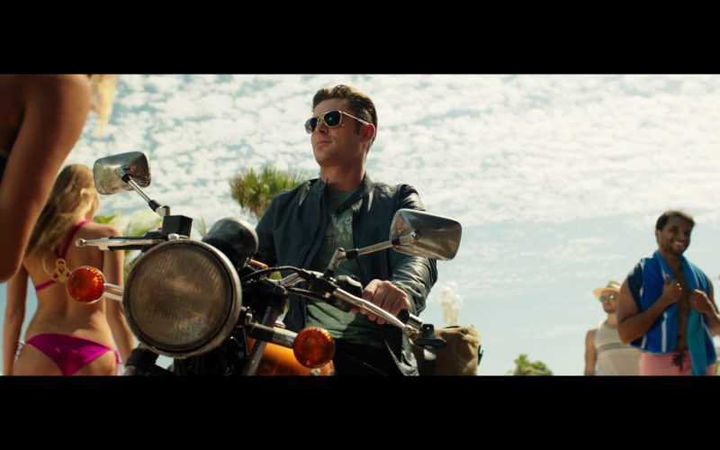 Zac Efron and Suzuki Motorcycle – Baywatch (1)