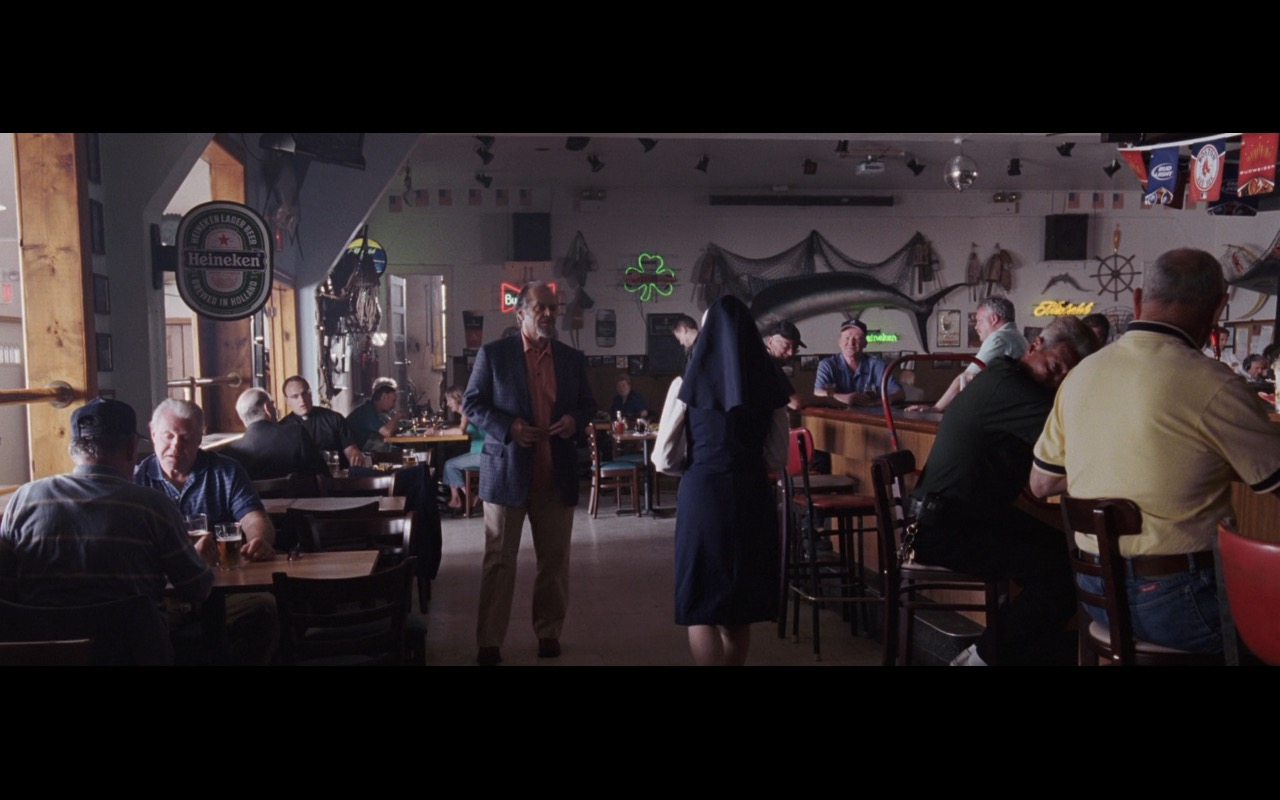 Heineken, Beck's, Bud Light Signs – The Departed (2006) - Movie Product Placement