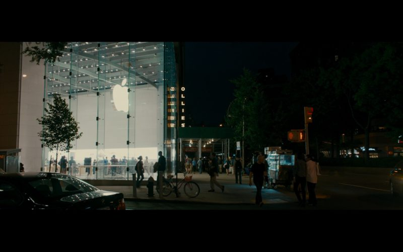 Apple Store - The Dictator (2012) - Movie Product Placement