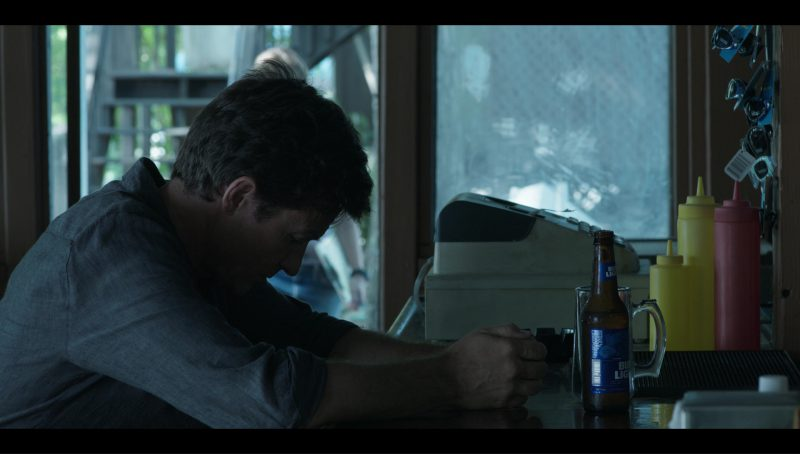 "Bud Light Beer Drunk by Jason Bateman in ""Ozark"" Blue Cat (2017) - TV Show Product Placement"