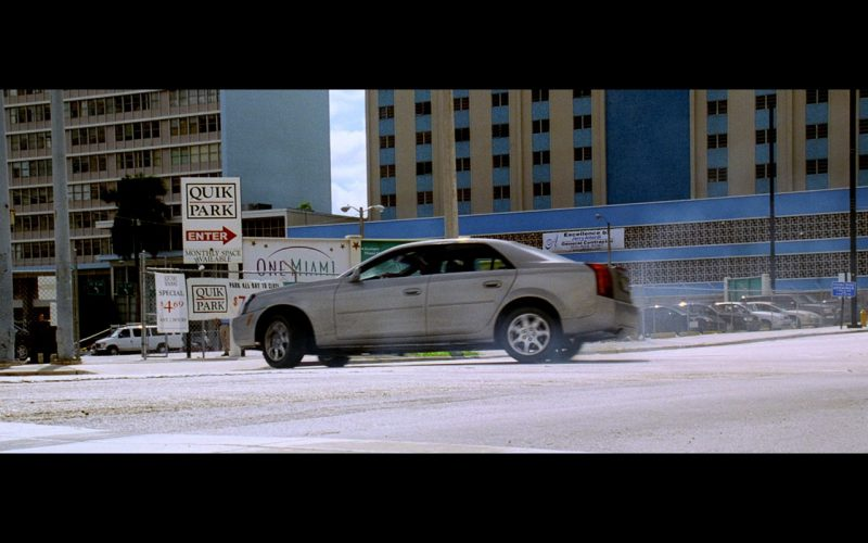 Cadillac CTS Car - Bad Boys 2 (2003) - Movie Product Placement