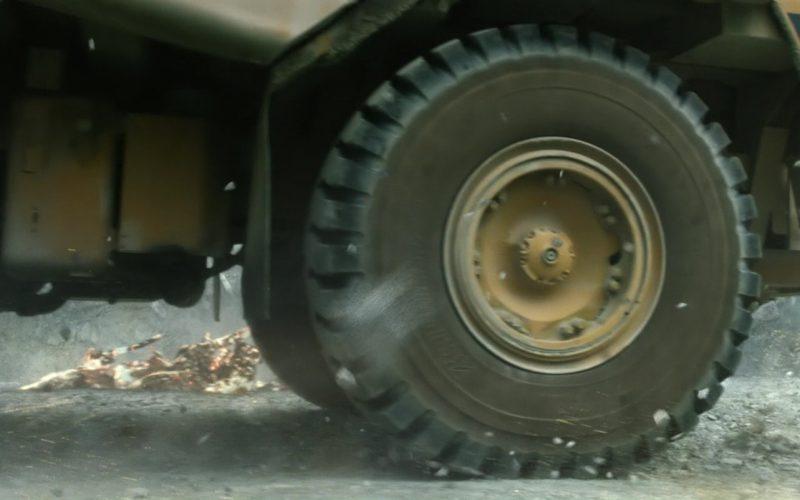 Caterpillar Excavator and 775D Rock Truck in Power Rangers (2)