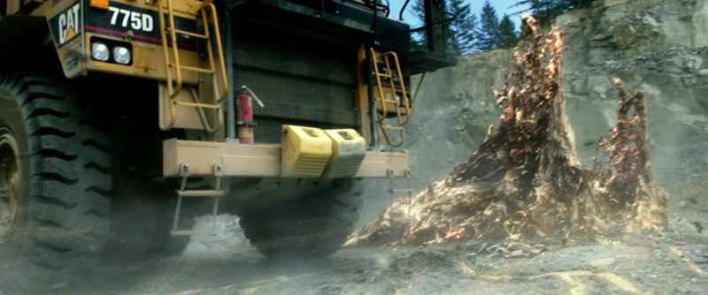 Caterpillar Excavator and 775D Rock Truck in Power Rangers (2017) - Movie Product Placement