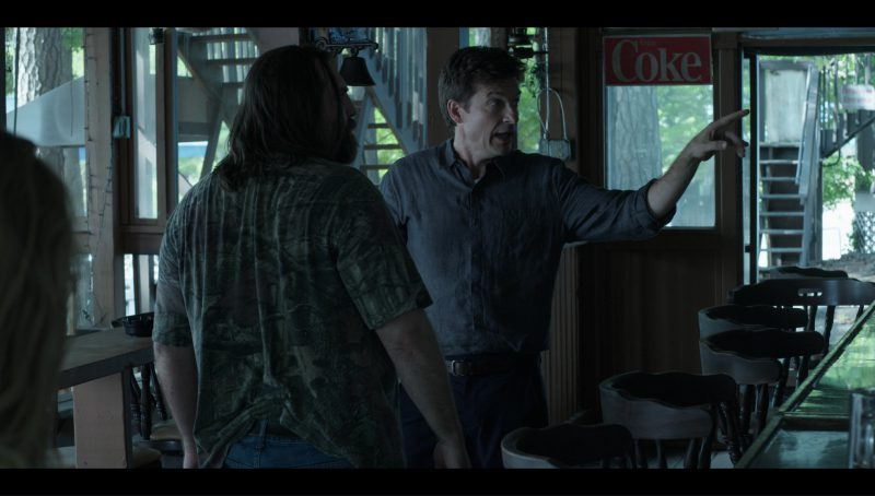 "Coca-Cola Signs in ""Ozark"" Blue Cat (2017) TV Show Product Placement"