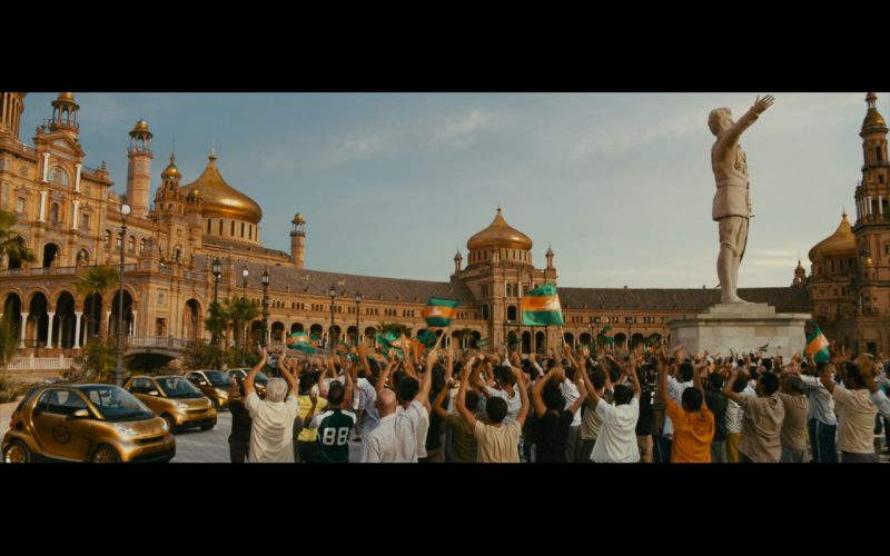 Gold Smart Fortwo Cars – The Dictator (1)