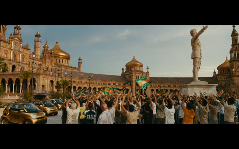 Gold Smart Fortwo Cars – The Dictator (2012) Movie Product Placement
