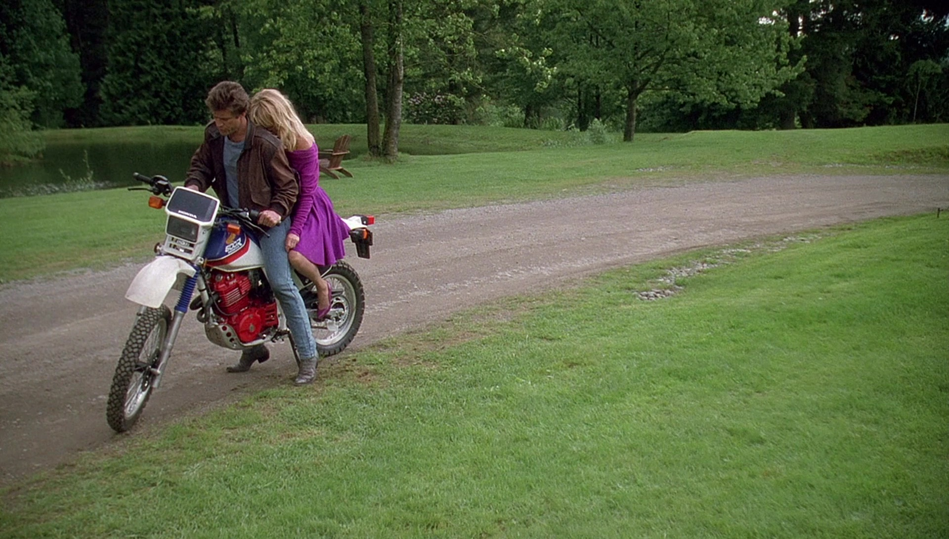 Honda Xl 600 R Motorcycle Driven By Mel Gibson In Bird On A Wire 1990 Movie Scenes