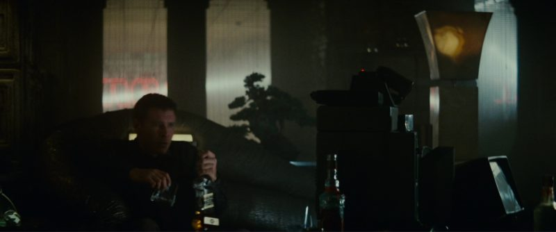 Johnnie Walker in Blade Runner (1982) - Movie Product Placement