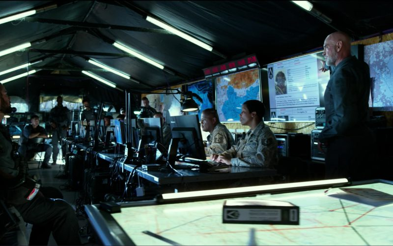 Lenovo Monitors in Transformers 5 The Last Knight (1)