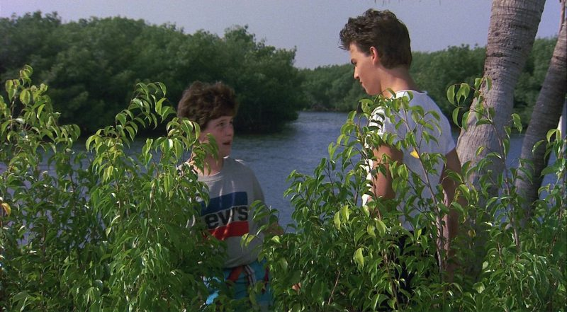 Levi's T-Shirt – Private Resort (1985) - Movie Product Placement