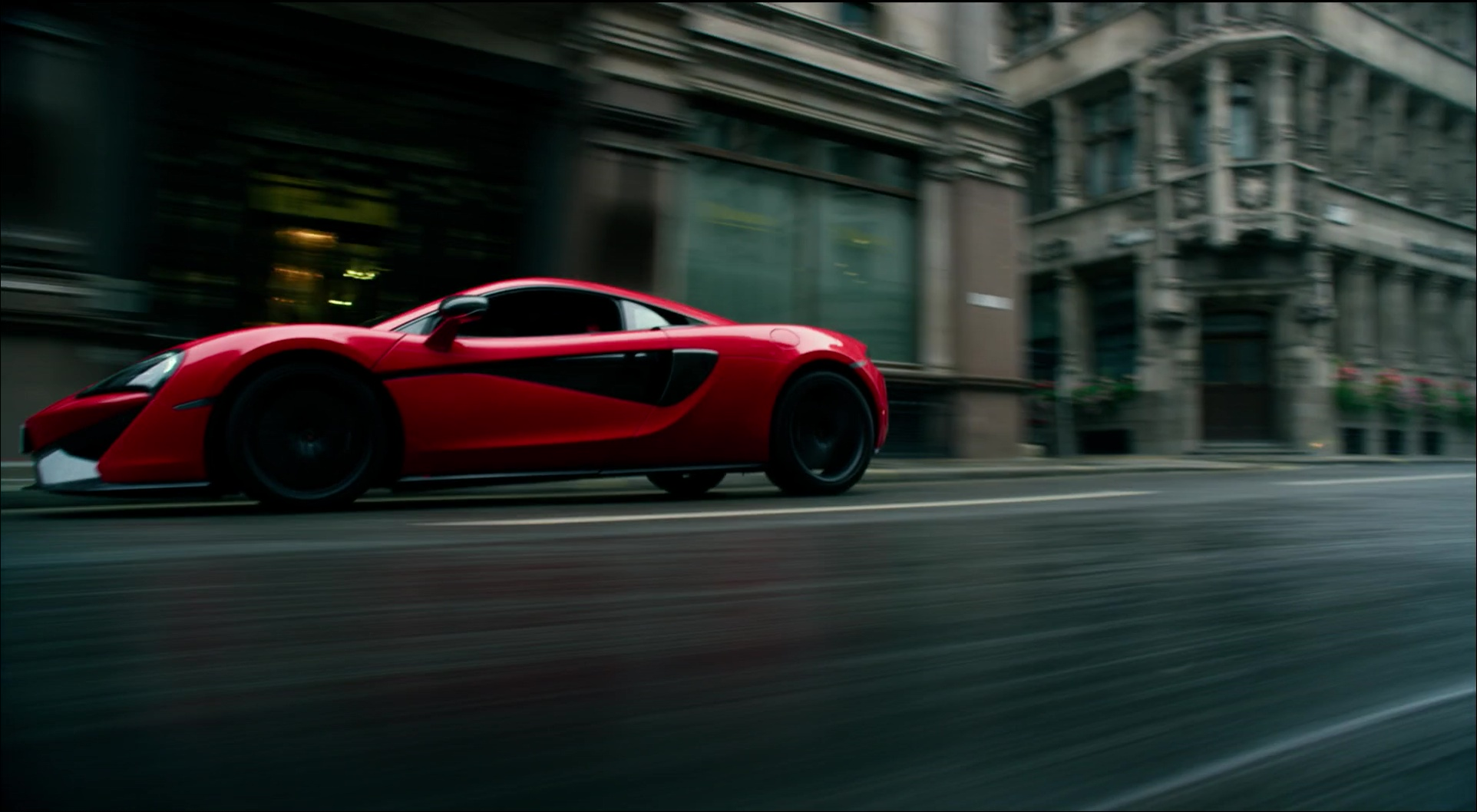 Red Mclaren 570s Car In Transformers 5 The Last Knight
