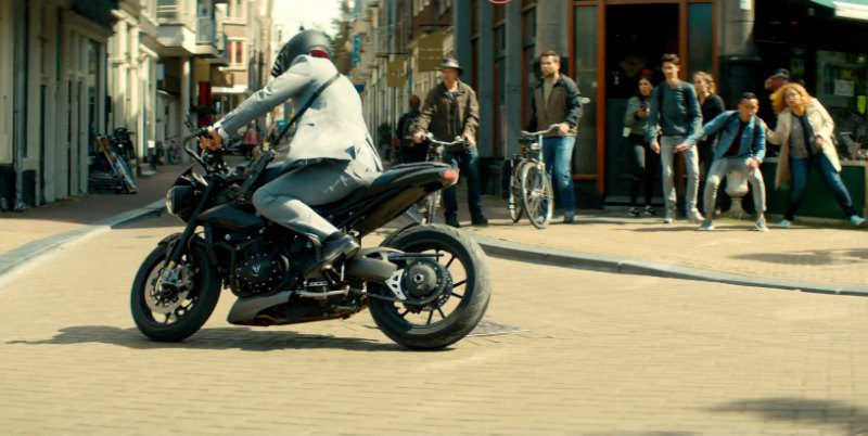 Triumph Speed Triple Motorcycle Driven by Ryan Reynolds in The Hitman's Bodyguard (1)