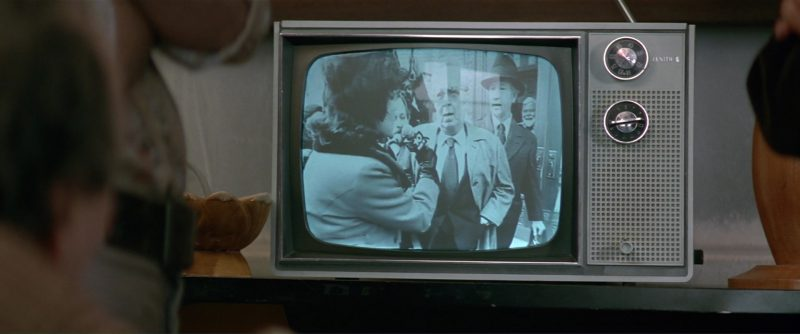 Zenith TV in The People vs. Larry Flynt (1996) - Movie Product Placement