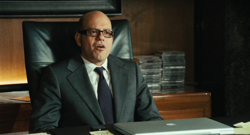 Apple laptop used by David Cross in ALVIN AND THE CHIPMUNKS (2007) Movie Product Placement