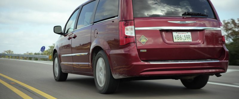 chrysler town country used by halle berry in kidnap 2017 movie. Black Bedroom Furniture Sets. Home Design Ideas